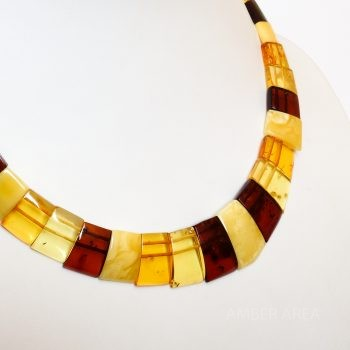 Four-Color Flat Amber Choker