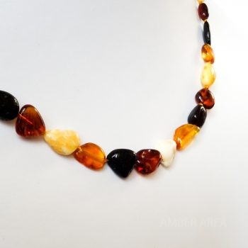 Four-Color Polished Amber Necklace